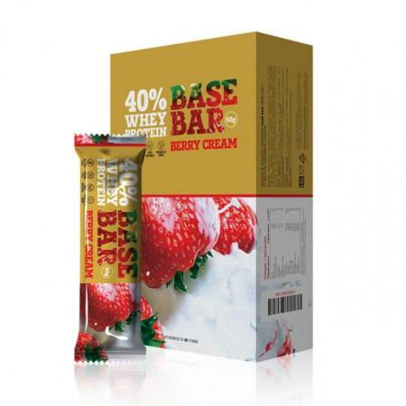 Батончик Base Bar протеиновые 60г Клубника со сливками - коробка 20шт